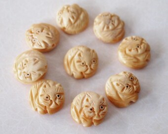1 Bone Hand Carved Cat Bead Or Charm Antique Colour Size 17 x 8mm