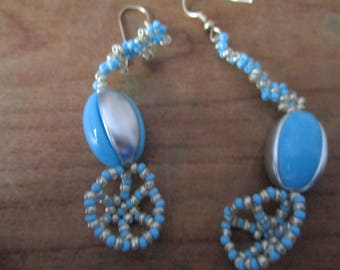 Original strip grey, blue earings.