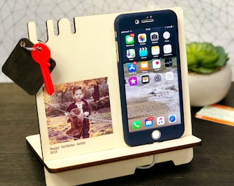 Personalised Charging Station, Wood Docking Station, Gift for Dad, Father's Day gifts, Gift for Husband, Phone Stand, for Him, Tech Gift