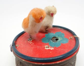 1940's Easter Chicks Noisemaker, Antique Bobble Chickens on Squeeze Toy for Easter