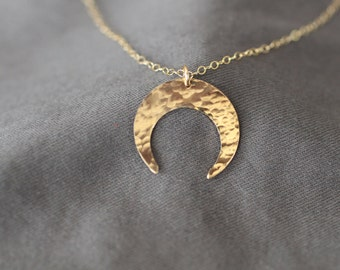 double horn necklace, gold horn necklace, crescent necklace, hammered horn necklace, simple gold crescent, dainty necklace, N173