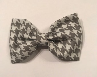 Gray Houndstooth Bow