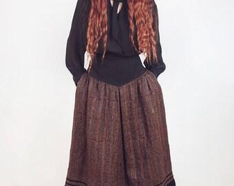 Folk inspired skirt, vintage 1970 s, high waist skirt, wool skirt, gypsy skirt, boho skirt, bohemian skirt, midi skirt, size medium