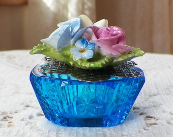 Vintage Porcelain Flowers Jewelry Embellished Vintage Blue Salt Cellar Ring Holder, Presentation Box, Engagement Ring Box, Handmade Upcycled