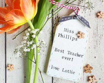 Teacher thank you gift tag, teacher present, thank you gift, teacher thank you apple, Class of 2017, nursery gift, end of term