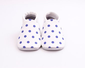 Polka dot baby shoes - Moccs - Navy polka dot - Baby shoes cotton - Baby girl shoes - Crib shoes - Baby shoes white - baby shoes for girl