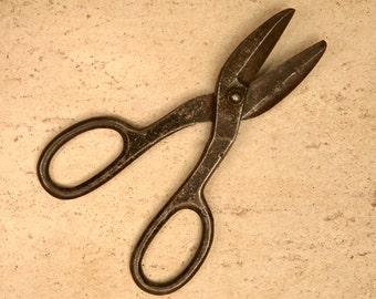 Antique METAL TIN SNIPS