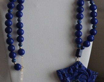 Ref.066/ Lapis lazuli carved pendant necklace.