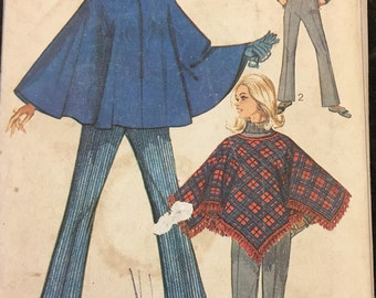 Simplicity 7871 Poncho // Bell-Bottom Pants Vintage Sewing Pattern (1960s) Misses Size 10