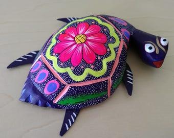 Oaxacan turtle alebrije- Mexican folk art- Oaxaca Mexico wood carving