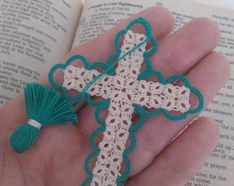 Marque page Bible écru turquoise & crémeux de Pâques vente Tatted Croix frivolité fait à la main