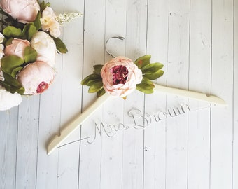 Wedding Dress Hanger With Flower - Personalized Hanger - Custom Hanger - Bride Hanger - Bridal Hanger - Bride Gift - Bridal Shower Gift