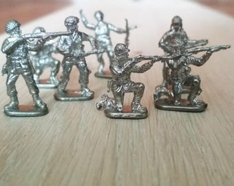 Tin Toy Soldiers, Set of 7 English paratroopers, Second World War, 27mm 1/72 Scale, Made in USSR