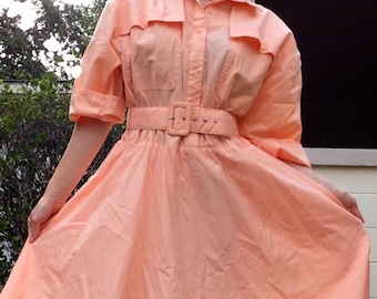 Vintage 1980s rhymes dress in light salmon pink