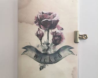 "Gothic Halloween - ""Wicked"" Roses - Travelers Notebook Laminated Dashboard - B6 size"