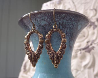 Boho Dangle Earrings ~ Art Nouveau Style ~ Antiqued Brass ~ Everday Earrings ~ by WakesTheDawn