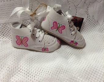 Keepsake Baby Shoes/Baby Girl/Pink Butterflies/Baby Shoes/Keepsake/Ornament/Room Decoration