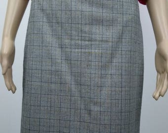 80's vintage High Wiast Pencil Skirt. C&A. Plaid. Size 14. Black white Checked. Fully lined.