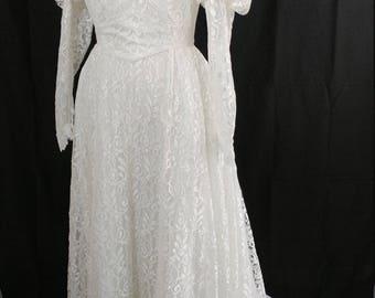 Vintage Wedding Dress Puffy Shoulder Vine/Mesh Lace 80's- Long Train