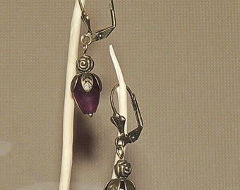Earrings drop faceted beads of jade plum and bronze metal