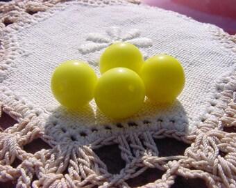 Lemon Buttercream Rounds Vintage Glass Beads