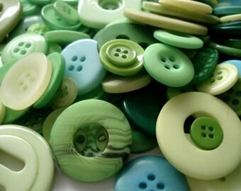 100 Mixed Green Buttons, Pack of 100 Green Buttons, 100 Buttons, 2p Each!! AM5