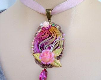 Pendant floral necklace ribbon shibori