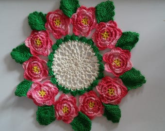 Vintage Crocheted Doilies-Pink and Yellow Roses Doilies-Round Doilies-Pink Rose Doilies-Floral Doilies-Doilies-Vintage Doilies-Rose Doilies