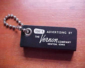 """1960s THE VERNON COMPANY """"My Little Black Book"""" Key Chain Newton Iowa True Vintage Classic Cool Address Book Advertising Company Collectible"""