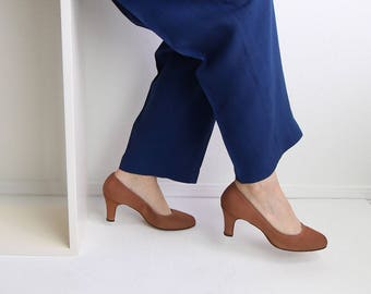 VINTAGE Heels Fabric Pumps Toffee Size 7