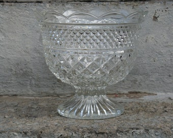 anchor hocking wexford crystal bowl footed bowl diamond pattern 7 inches tall