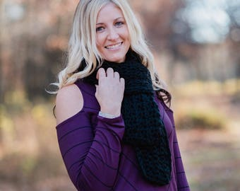 Women's Crocheted Scarf / Crocheted Scarf / Chunky Crocheted Scarf / Black Scarf