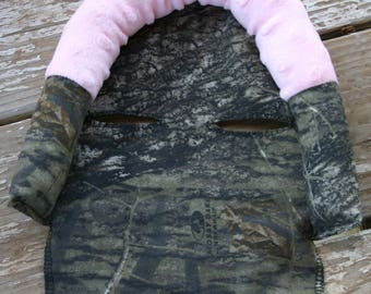 READY TO SHIP Mossy oak with baby pink minky infant head support