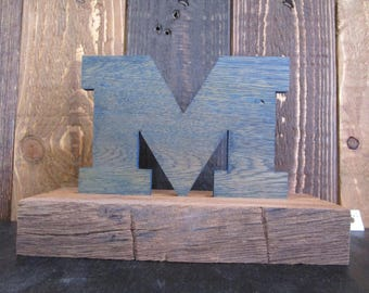 M go blue shelf sitter
