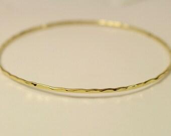 18k yellow gold bangle, 18k bangle, 18k gold bangle, 18k hammered bangle, 18k smooth bangle, 18k gold bangle bracelet, 18k bracelet