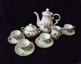 Vintage teaset with roses