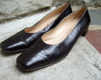 FERRAGAMO Womens Embossed Leather Vinatge Pumps US Size 9 2 A