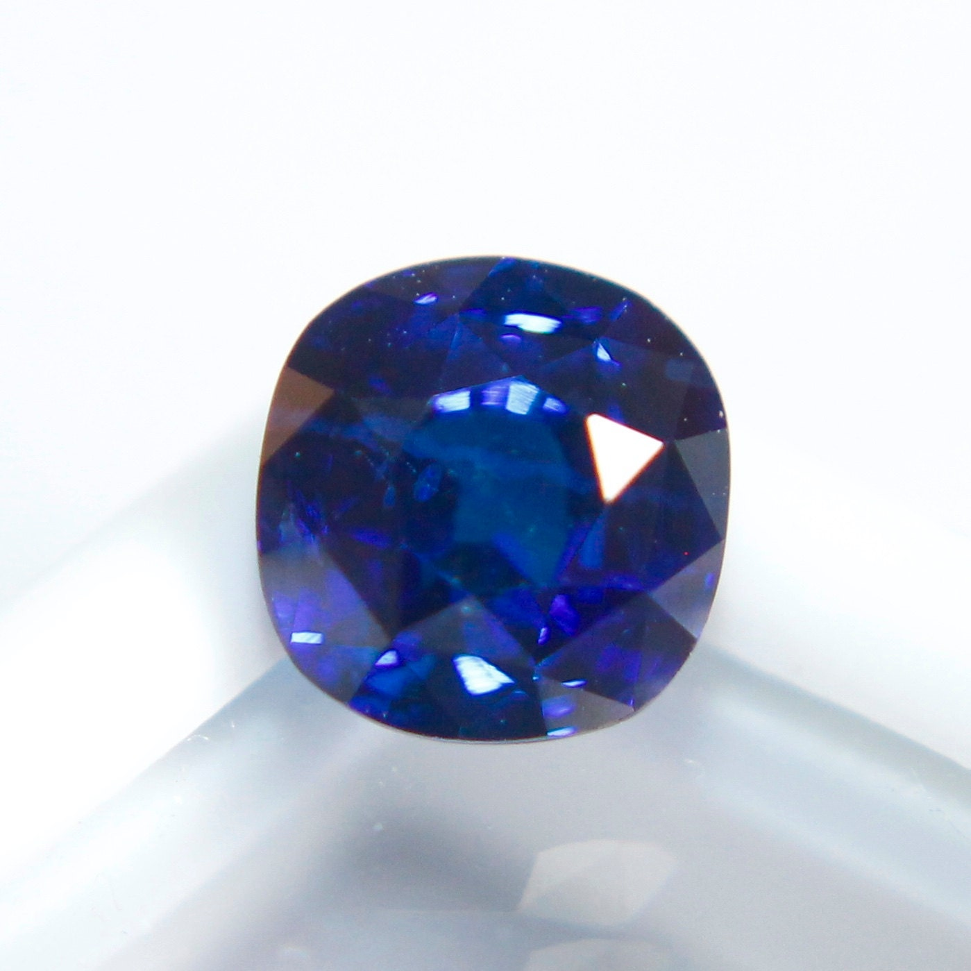 sapphire shop photo blue oval haruni gems fine royal