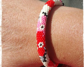 """""""Cherry"""" crochet bead bracelet"""