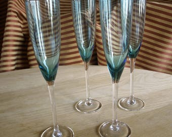 Four Sapphire / Turquoise Blue Champagne Flutes – Stunning Set
