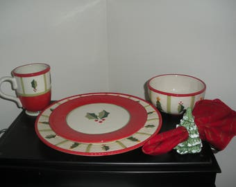 Price Reduced: Christmas Dishes Dinnerware Set Sixteen (16) Pieces Fitz and Floyd Discontinued Timberline Pattern