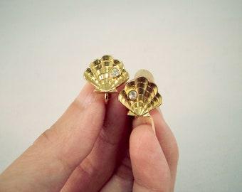 Vintage Avon Earrings Seashell Clip Earrings Gold Tone Earrings Sea Earrings Small Earrings