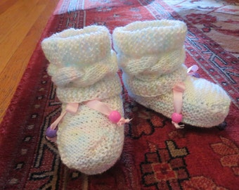 Handmade, Baby Booties, Knit Toodlers Booties, Toodlers  Booties for Girls