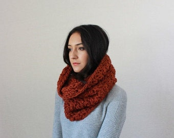 Le Port - SPICE // Chunky Knit Lace Cowl, circle scarf Shawl