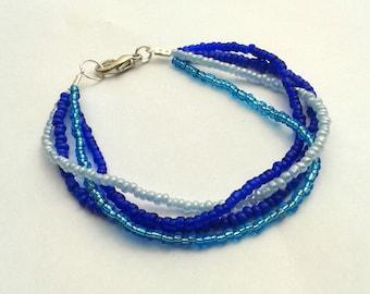 Bracelet shaded blue seed beads