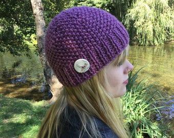 READY KNIT  Pebbles beanie - chunky/bulky yarn - wool rich yarn -  adult medium- ceramic bird button
