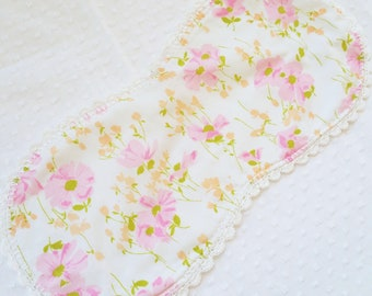 Handmade Baby Burp Cloth sewn from Vintage Bedsheet - crochet edge - flannel backed - pink peach daisy floral - FREE SHIPPING