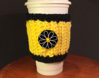 coffee cup sleeve, Daisy cup cozy, crochet daisy cozy, coffee cup cozy, daisy cup sleeves, coffee cozies, cup insulator, yellow cup cozy