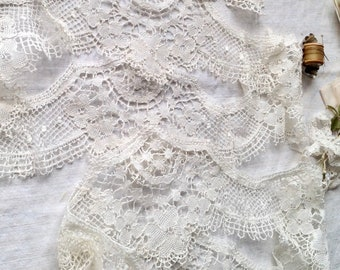 Antique Lace Collars & Doily Mat Edging / Vintage off White Lace Irish Honiton Bobbin Lace Floral Cotton 3pc Vintage Wedding Period Costume