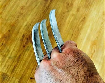Wolverine Claws 3dprinted from movie logan. replica cosplay
